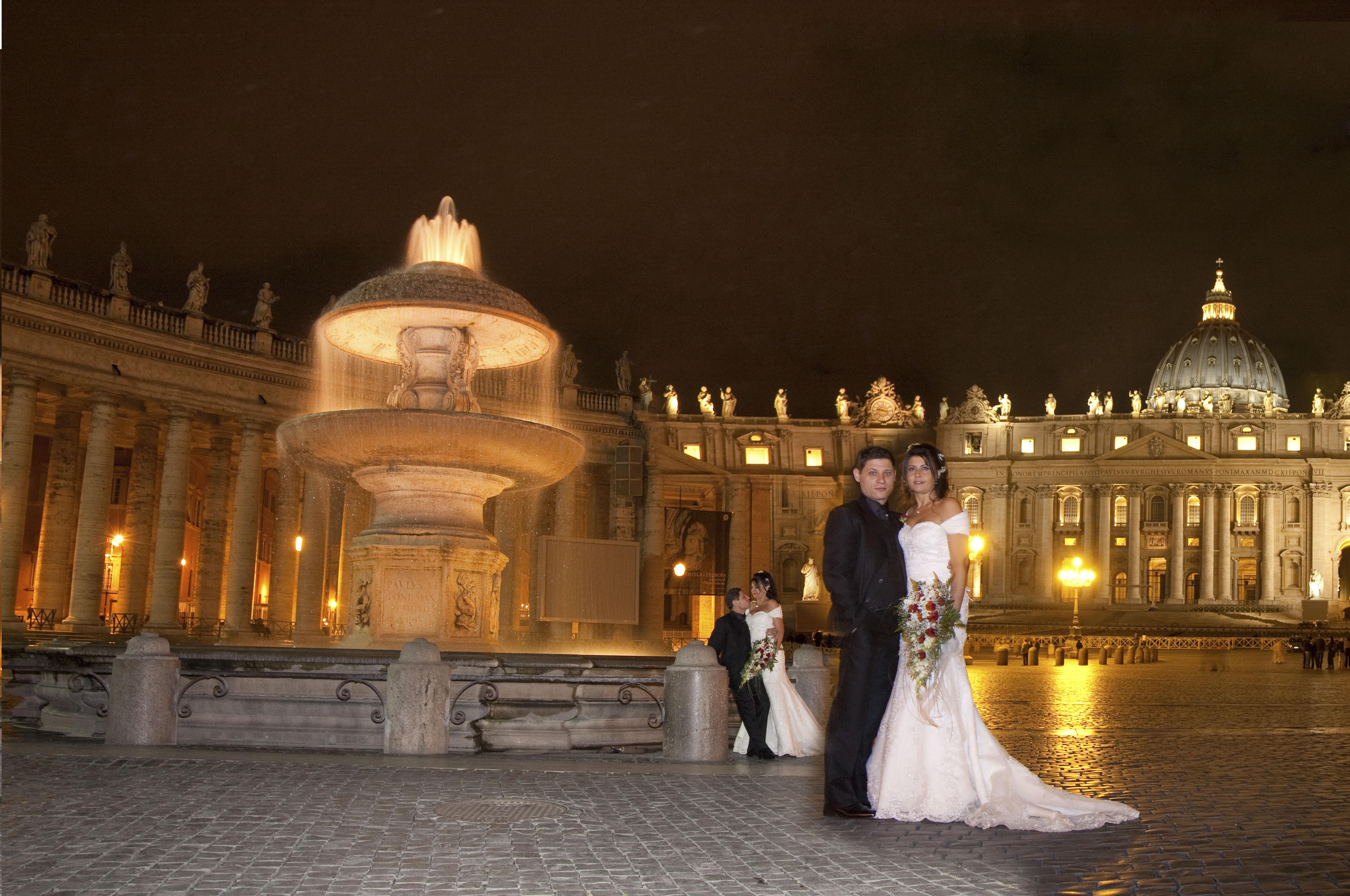 Servizio fotografico di matrimonio notturno a Roma